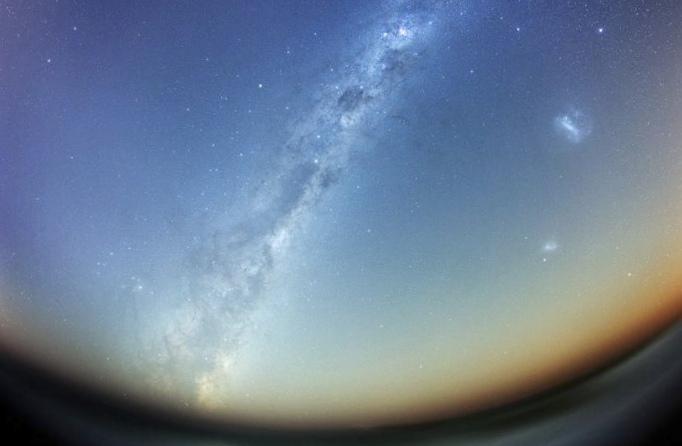 Астрономы нашли два полных двойника млечного пути