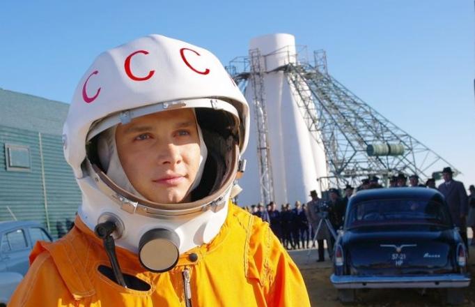 Бекмамбетов приглашает в полет на луну