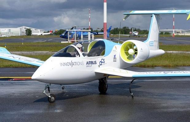E-fan – первый электрический самолёт airbus