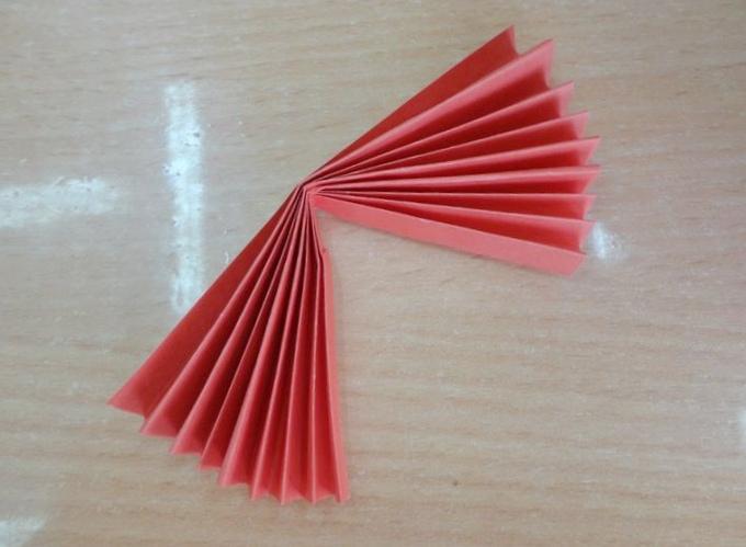 Исследователи научились складывать оригами светом