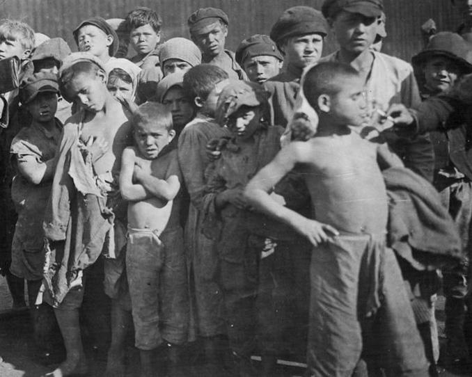 Колония макаренко, первые шаги в 1920 году: общий котел, общая судьба преступников и персонала
