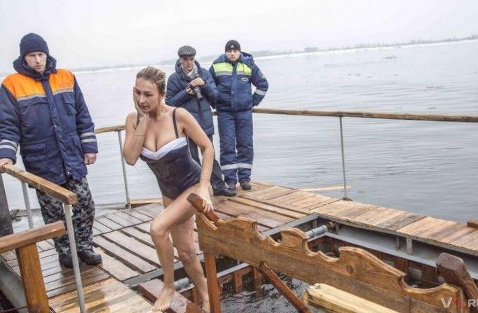Крещенское купание 19 января, ритуал духовный, тренировка тут не самое важное