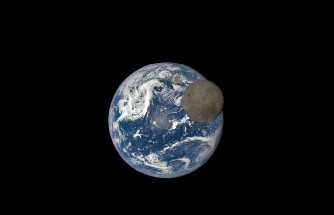 Лунная форточка во вселенную. новая статья зеленого кота.