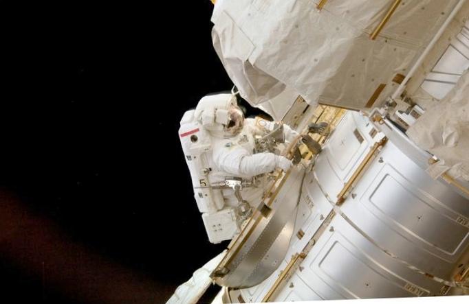Наса назвало имена астронавтов для тестовых полетов на новых кораблях