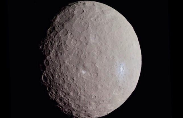 Недавно обнаруженная планета имеет 3 солнца