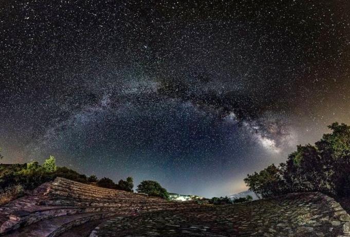Обзор: метеорный поток кометы галлея - ориониды достигнет пика в ночь на субботу