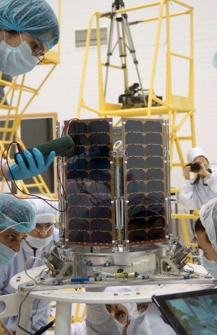 Первый российский частный спутник: месяц после запуска