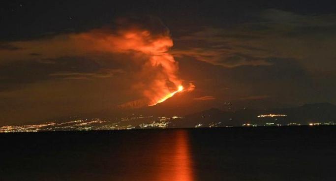 Почему вулканы стали извергаться чаще?