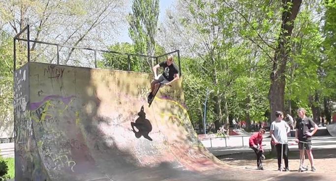 podvizhnye-igry-dlja-detej-6-15-let-les-park_1.jpg
