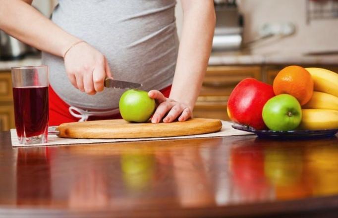 Рацион беременной: чем полезна жирная морская рыба