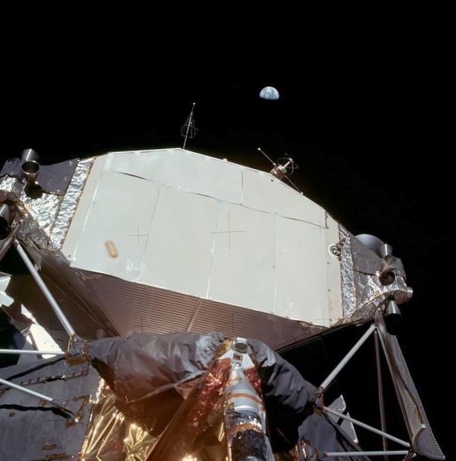 Россия и европа стремятся к луне и марсу; сша сворачивает космические программы