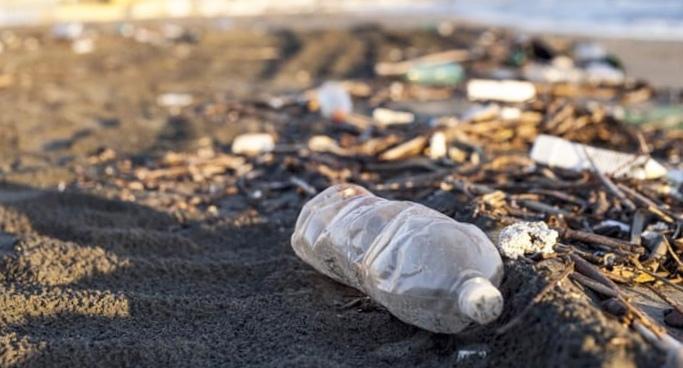 Ученые производят топливо из пластиковых отходов