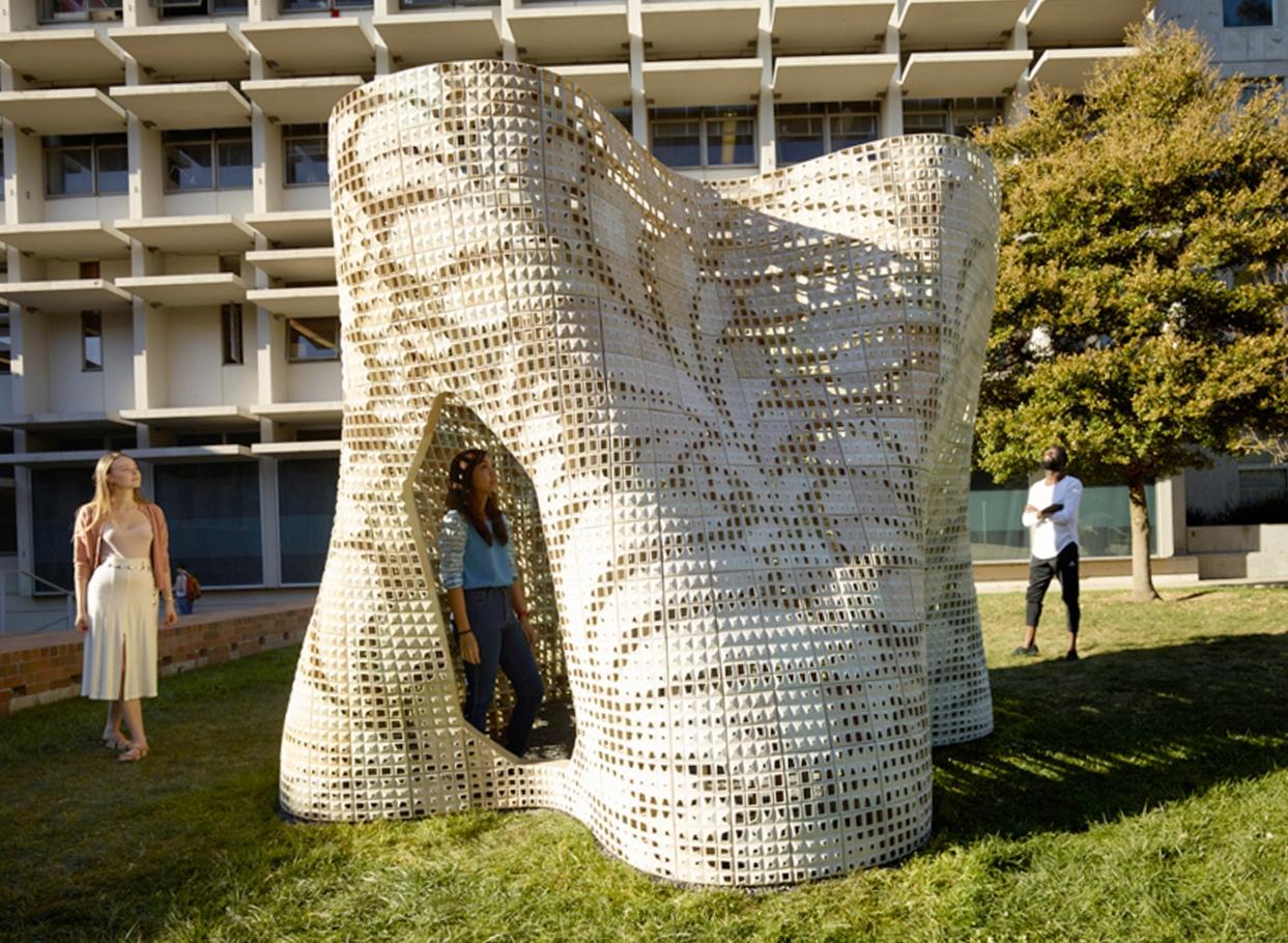 Здание из 3-d печатных цементных блоков